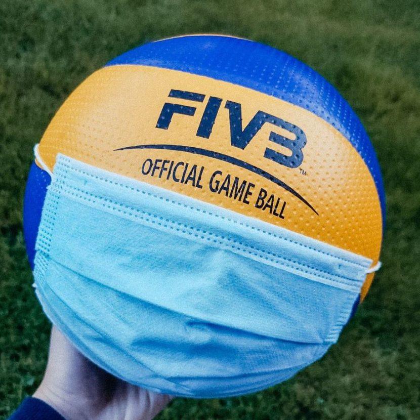 Volleyball mit Corona Maske